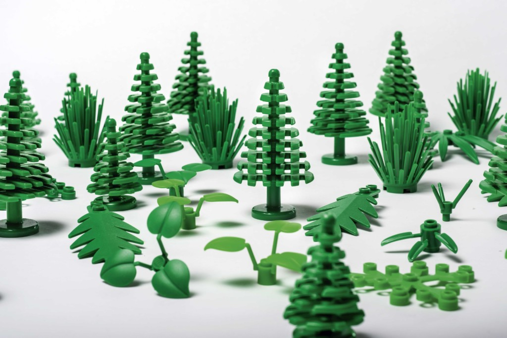LEGO botanical elements bio-based PE